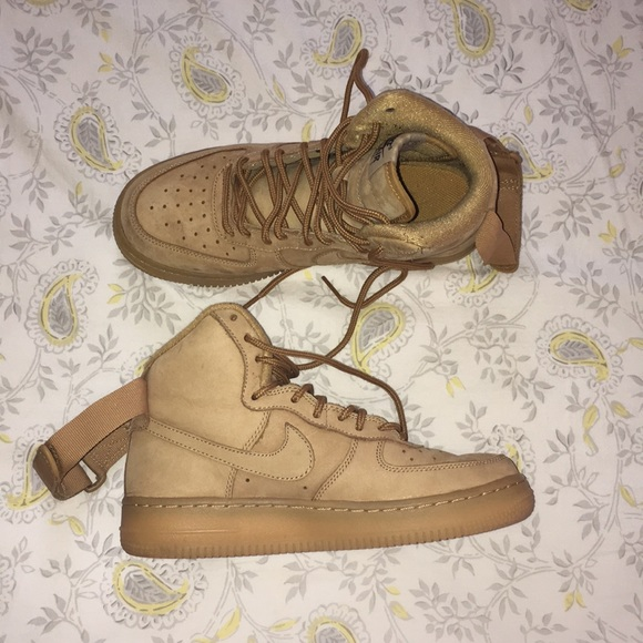reputable site bca9d d7fc8 Nike Air Force 1 High- Flax 💕